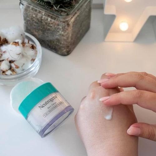 5-4-Neutrogena-skin-detox_